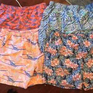 Lot of 4 Men's Vineyard Vines swim trunks